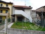 Immagine di Appartamento condominiale con accessori ed area di pertinenza (lotto 1)