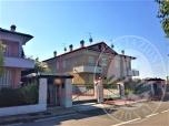 Immagine di Lotto 11_ appartamento mq 84,70 con soffitta, cantina, autorimessa, balcone e giardino sito in Via G. Romano, Borgo Virgilio (MN).