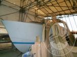 Immagine di  SCAFO IN RESINA CON SOVRASTRUTTURA IN LEGNO PER IMBARCAZIONE DI CIRCA MT. 10 LUNGH. - LOTTO 1