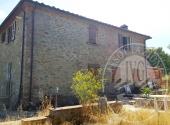 Colonica con terreni a CIVITELLA IN VAL DI CHIANA - Lotto 1A