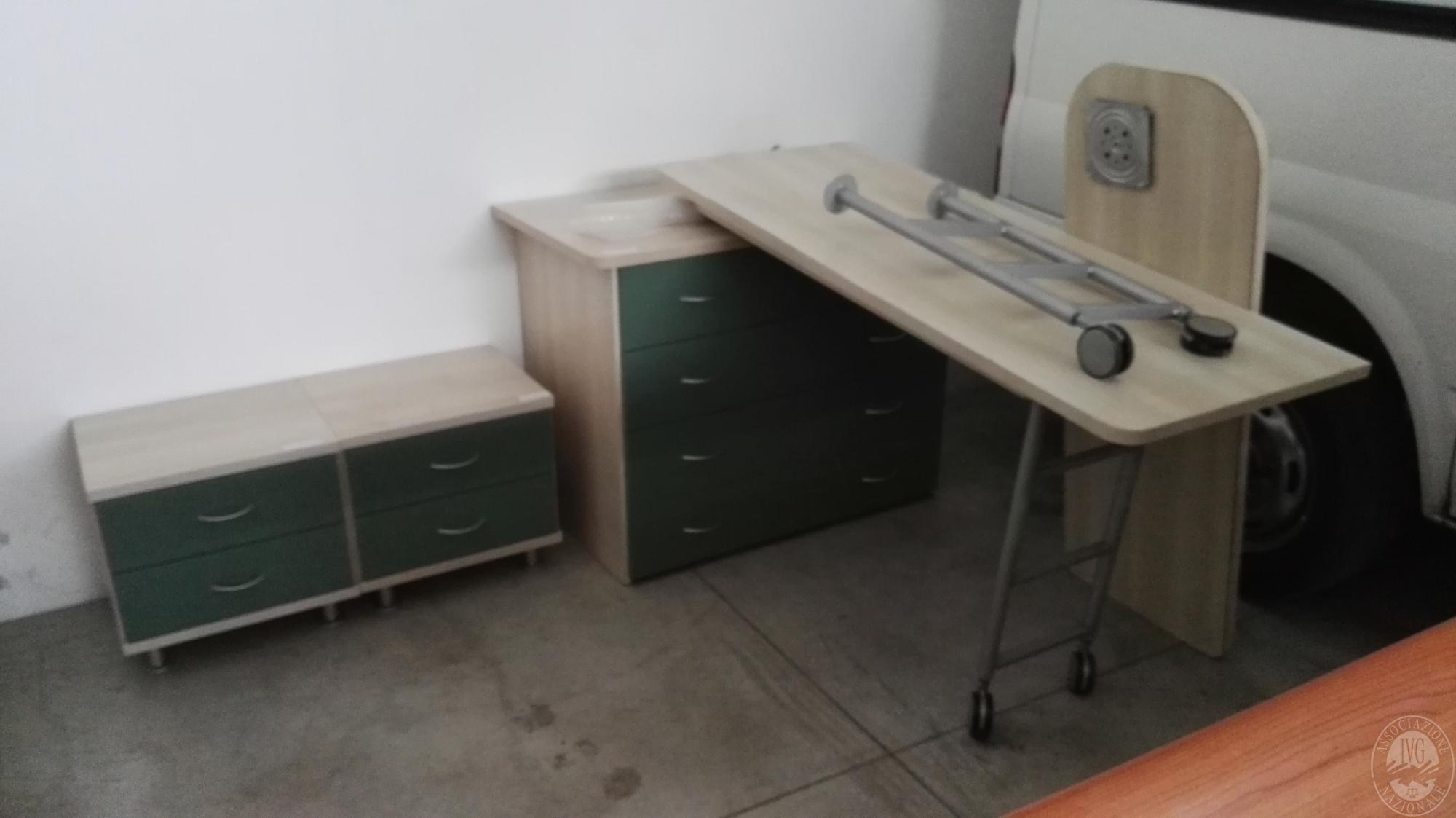 CUCINA COMPONIBILE -DIVANO - POLTRONA - MOBILE SOGGIORNO ...